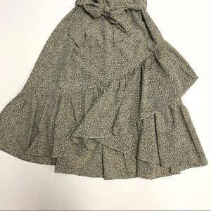 H&M Dresses - H&M || NWT Off Shoulder Crépe Dress